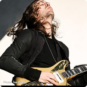 Wayne Sermon, Imagine Dragons, Guitar strings, Elixir Strings