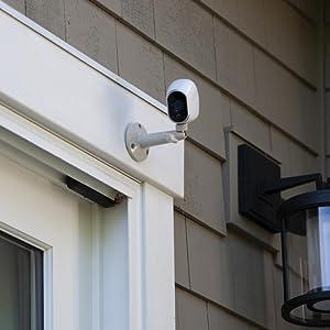 Amazon Com Netgear Outdoor Security Mount In White