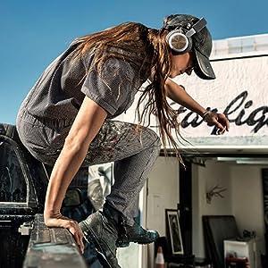 B&O PLAY, Bang & Olufsen, Beoplay H4, wireless headphones, light weight headphones