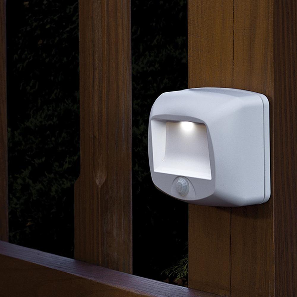 beams step light wireless led stair light motion sensing step light. Black Bedroom Furniture Sets. Home Design Ideas