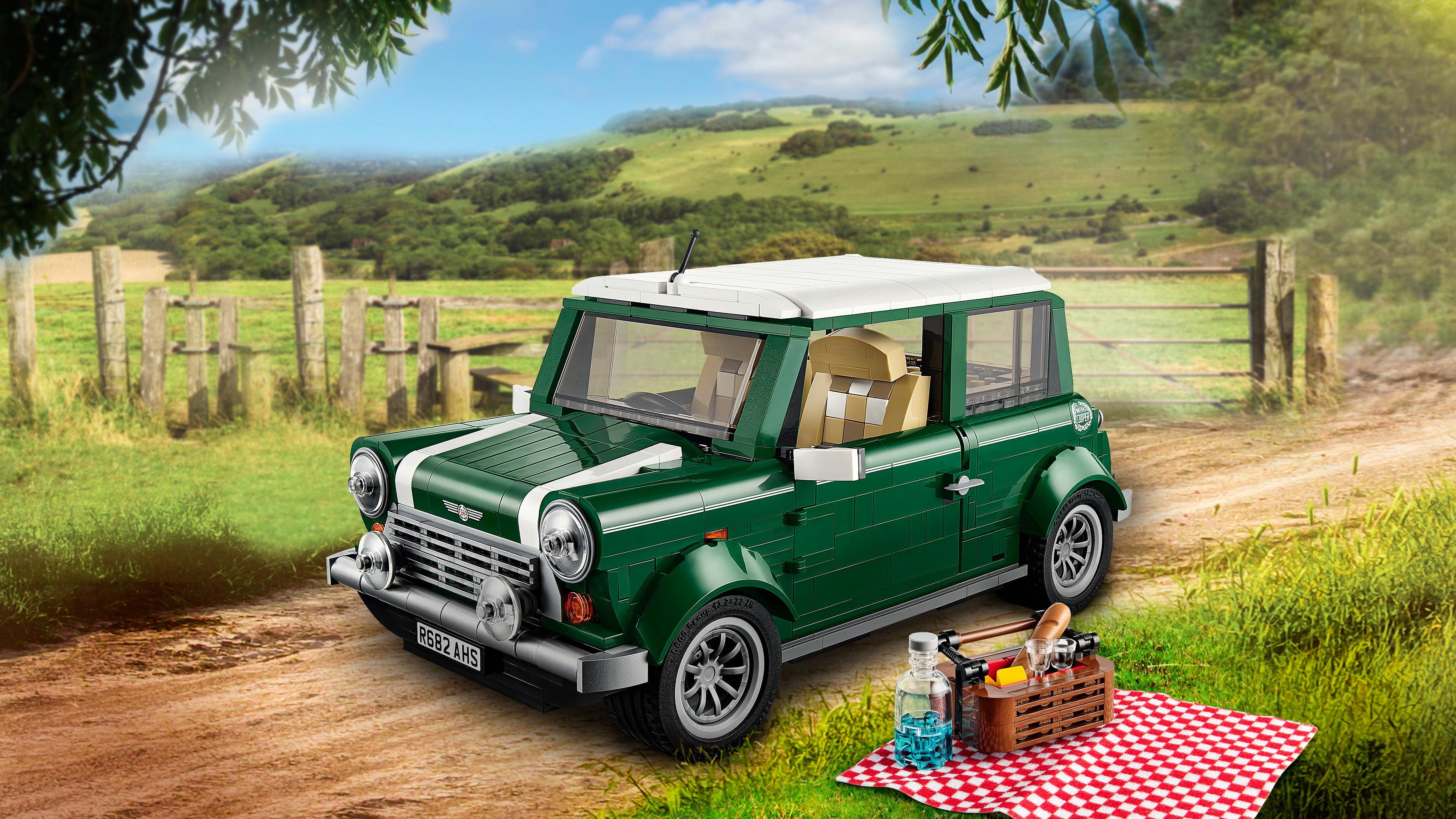 Amazon Com Lego Creator Expert Mini Cooper 10242