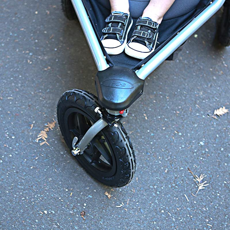 Swiveling and Lockable Front Wheel Image