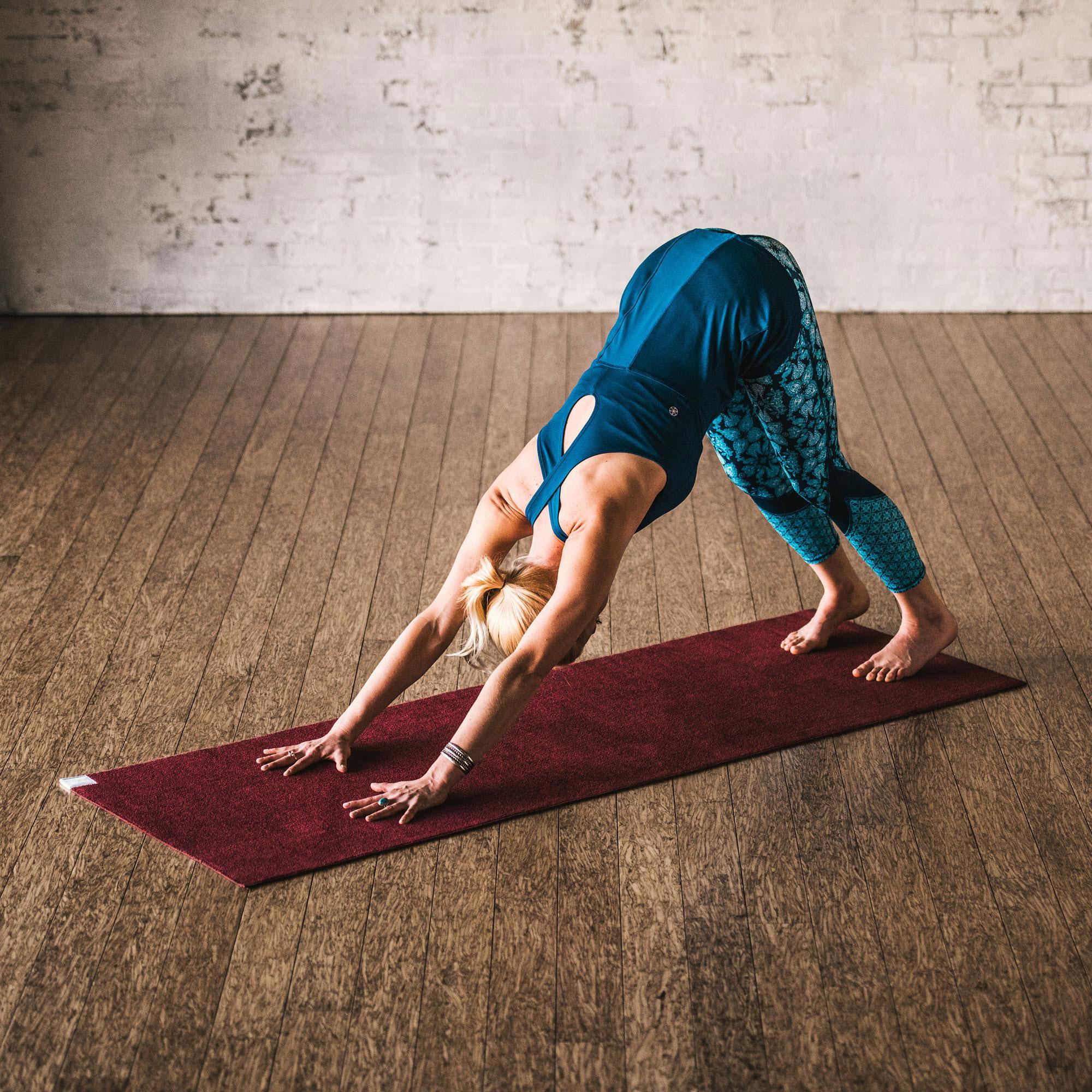 Amazon Com Gaiam Ultra Dri Hot Yoga Mat Red Sports
