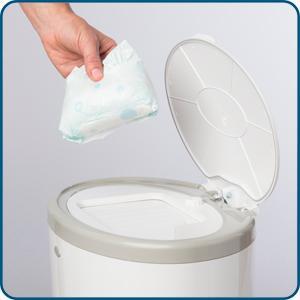 Dekor classic hands free diaper pail white for Dekor classic diaper pail refills