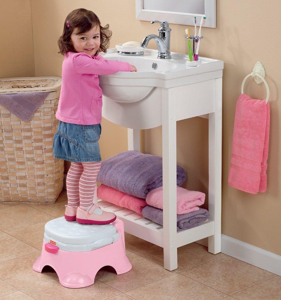 Amazon Com Fisher Price Pink Princess Stepstool Potty
