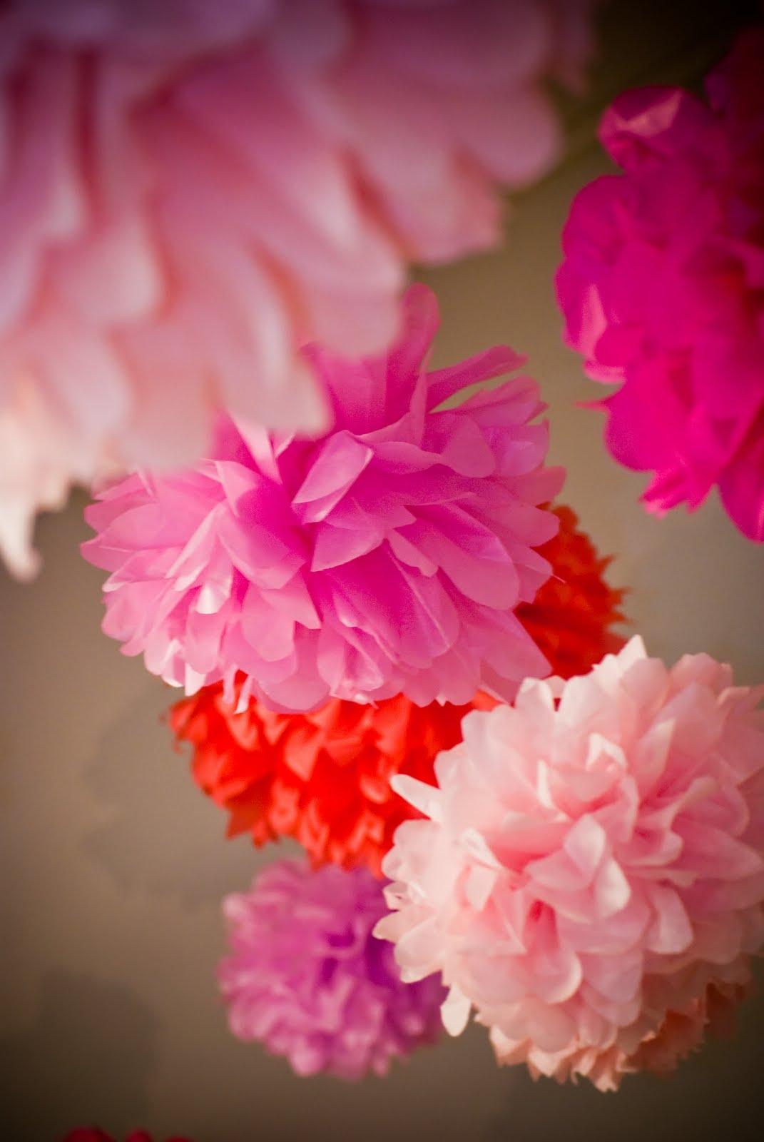 martha stewart crafts pom poms pink 2 sizes arts crafts sewing. Black Bedroom Furniture Sets. Home Design Ideas