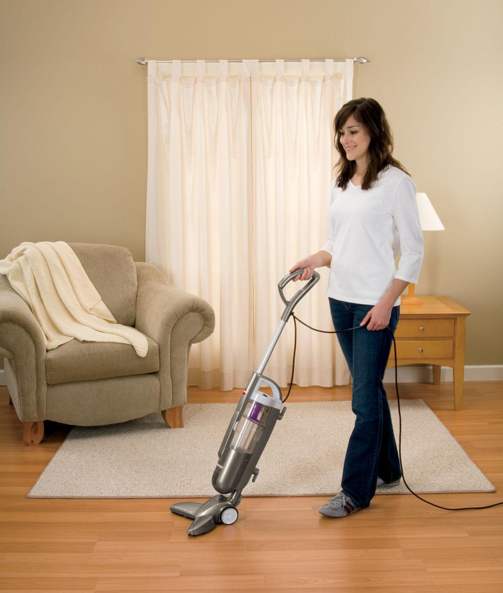 Remove dust from the floor with vacuum, also to avoid allergies.