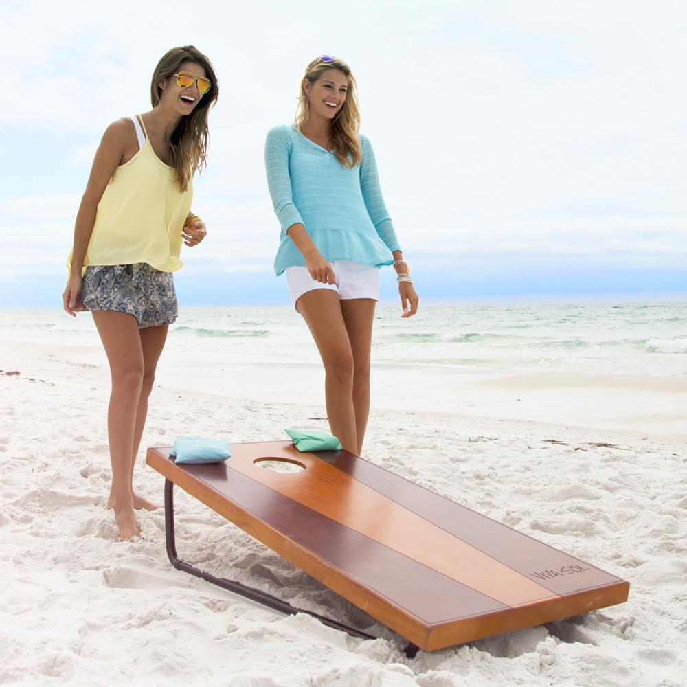 Deluxe corn hole game