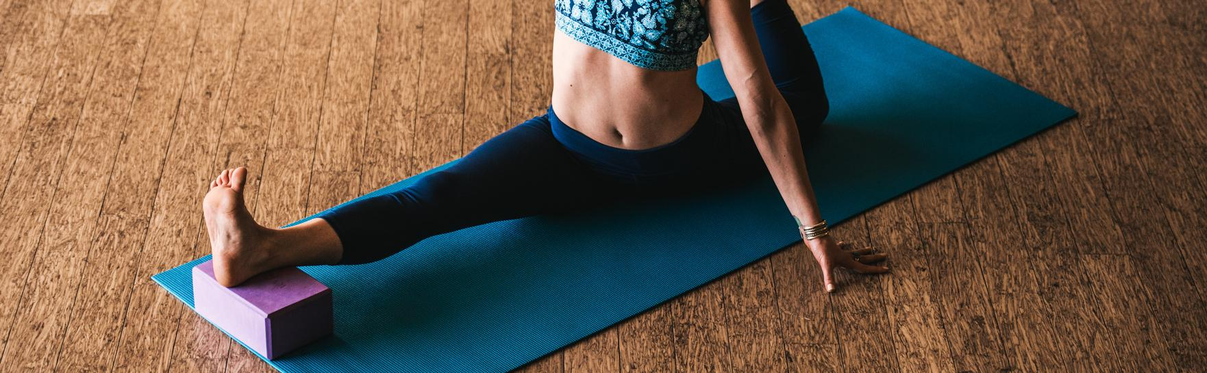 Amazon Com Gaiam Solid Yoga Mats Sports Amp Outdoors