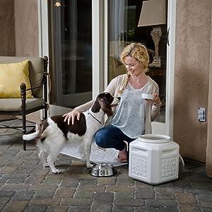 Vittles Vault, pet food container, pet food storage container, food storage container, gamma2