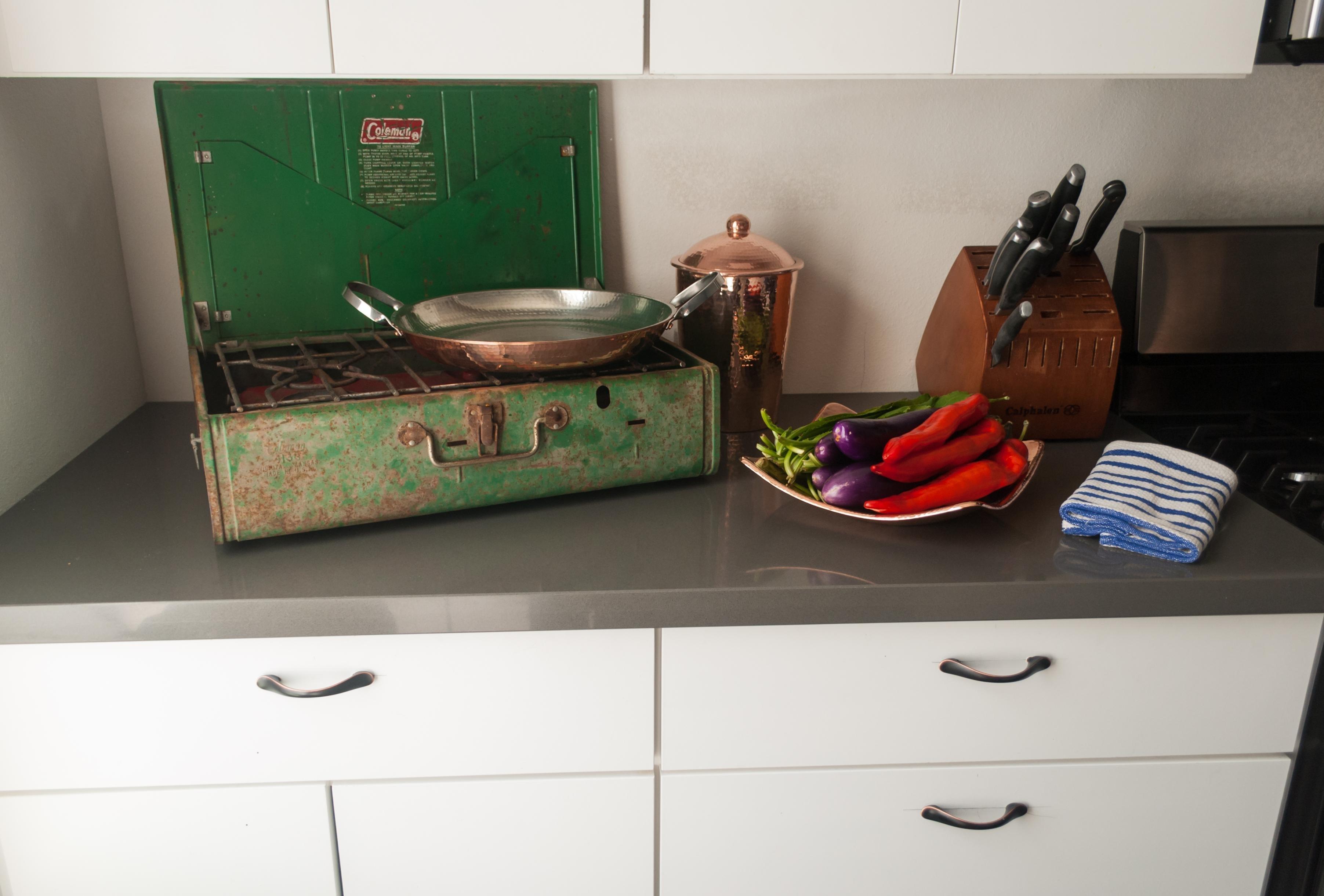 amazon com sertodo kumran kitchen canister medium hammered