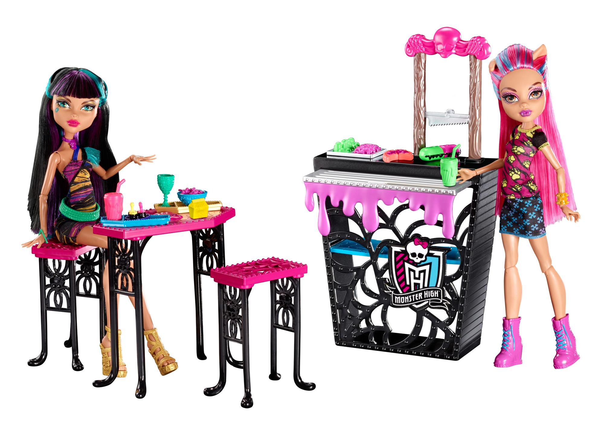 monster high creepteria with cleo de nile and howleen wolf doll toys games. Black Bedroom Furniture Sets. Home Design Ideas