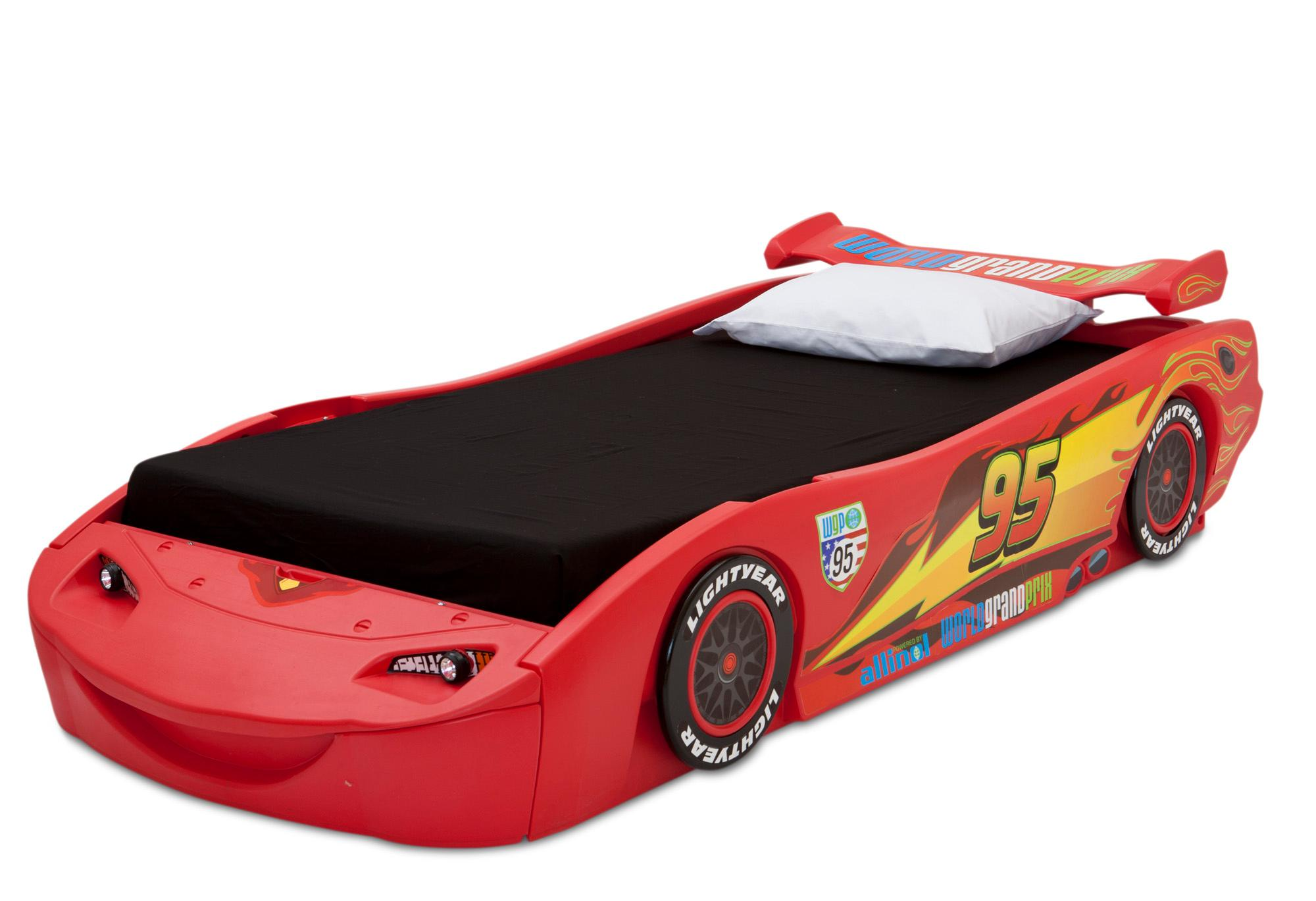 Amazon.com: Delta Children Cars Lightning Mcqueen Twin Bed with Lights, Disney/Pixar Cars: Baby