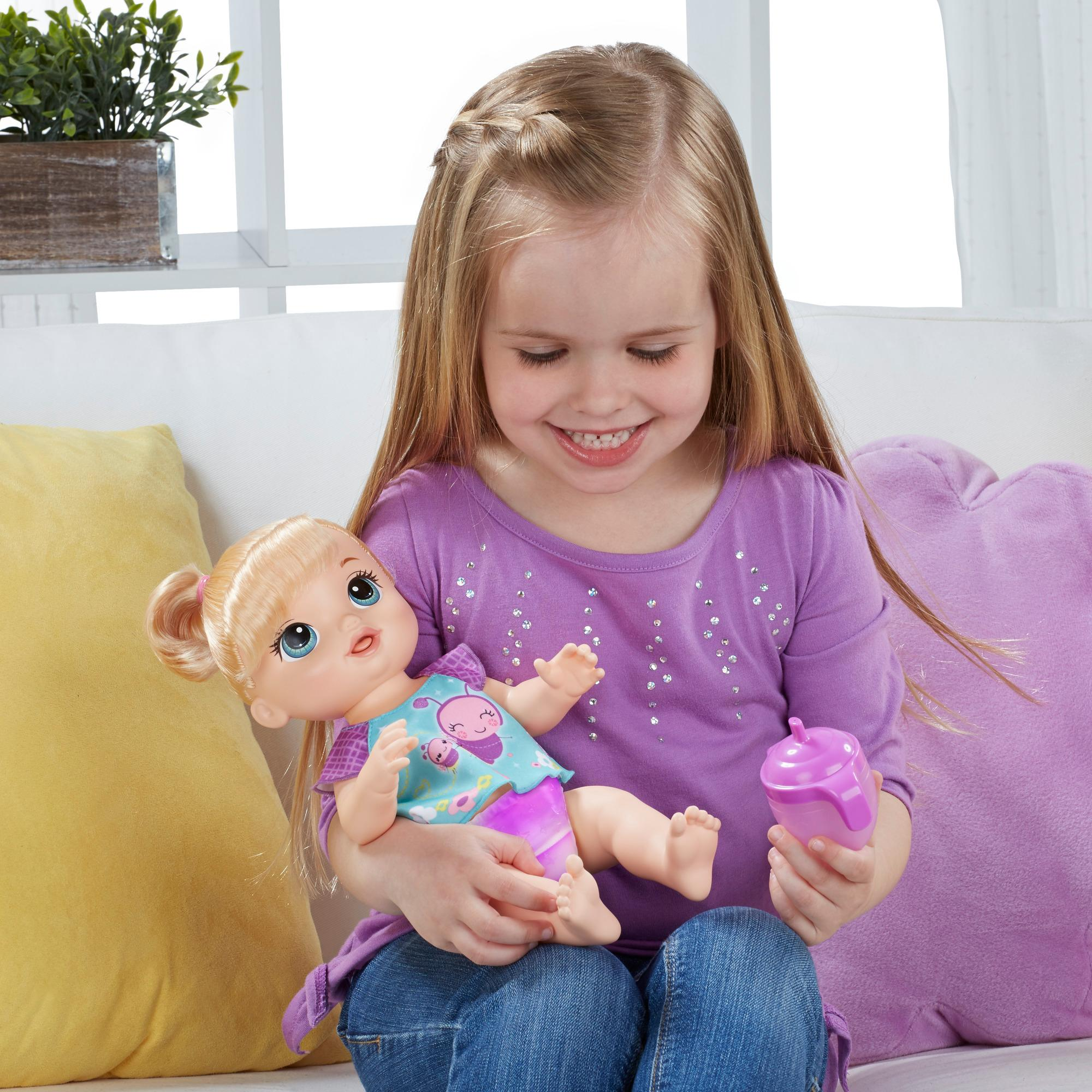 Amazon Com Baby Alive Twinkles N Tinkles Blonde Toys