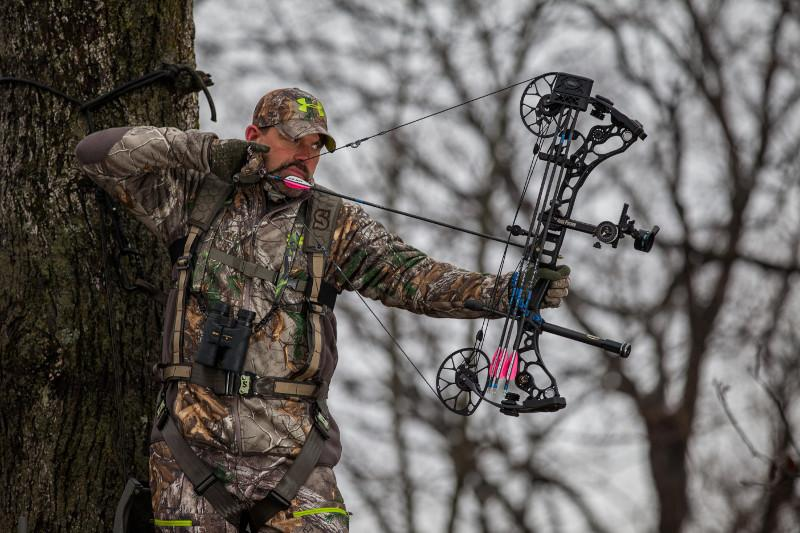 Amazon.com : Summit Treestands 's Pro Safety Harness : Sports ...