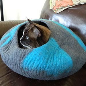 CatGeeks Premium Felt Cat Cave (Large) - All-Natural 100% Merino Wool