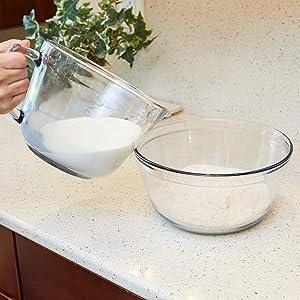 anchor hocking; glassware; glass; batter bowl; mixing; pouring; baking; baker