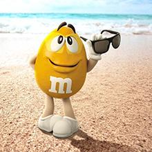 Make every day great with the satisfying chocolate goodness of Peanut M&M'S Candy.