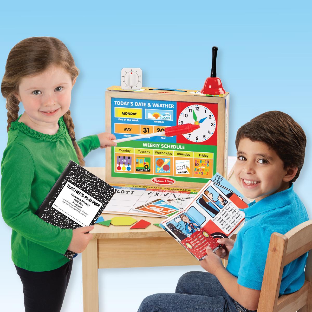 Amazon.com: Melissa & Doug School Time! Classroom Play Set