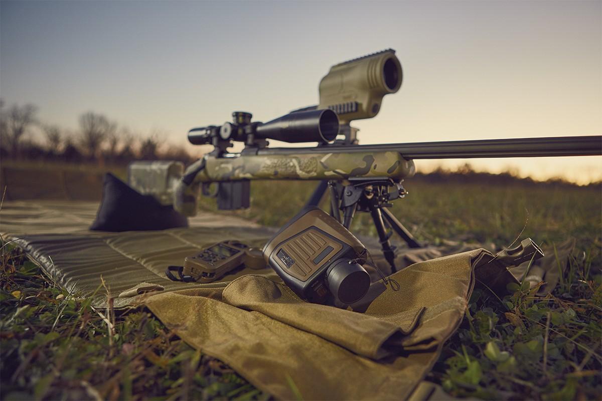 金盒特价 Bushnell Elite 博士能 精英版 Rangefinder 1 Mile 7×26 智能激光测距仪+风速计套装 5.9折$589.99 海淘转运到手约¥4243