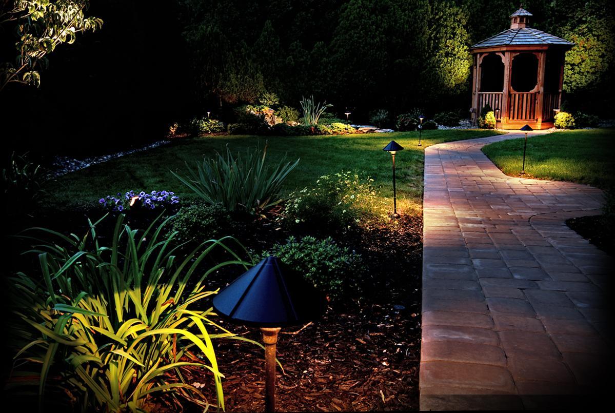 Low Voltage Landscape Lighting Systems : Paradise gl ft spt w wire gauge low voltage