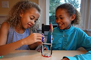 Kids building with LightUp
