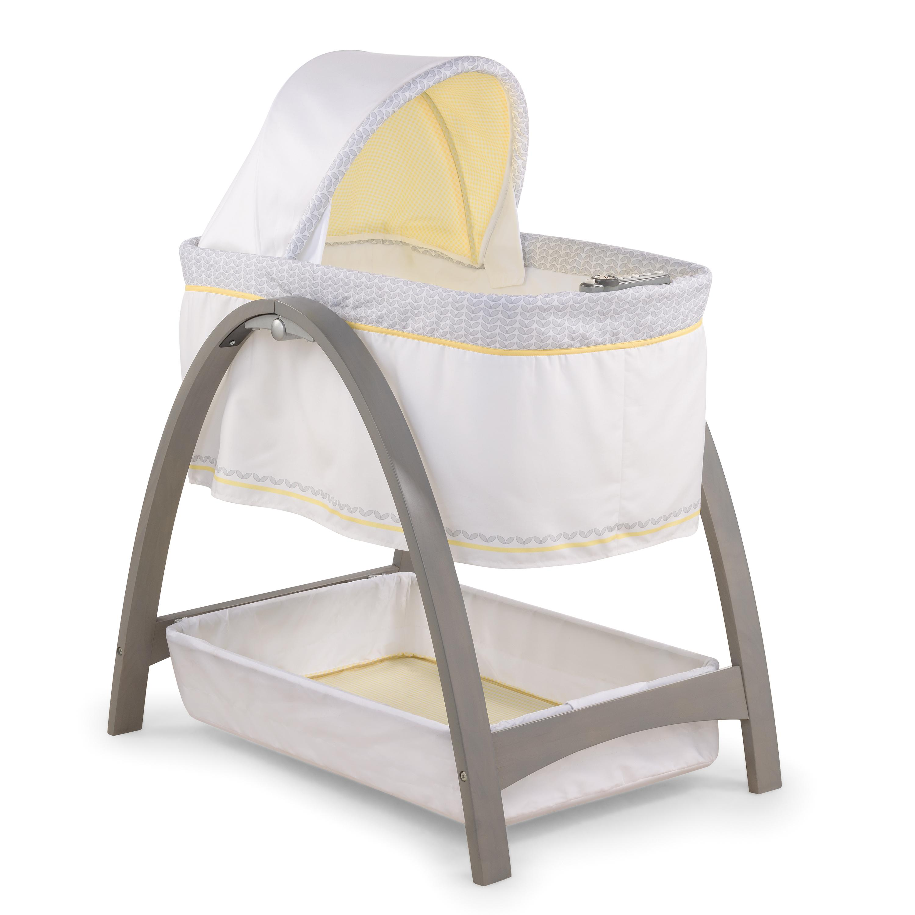 amazoncom  summer infant bentwood bassinet with motion chevron  - view larger