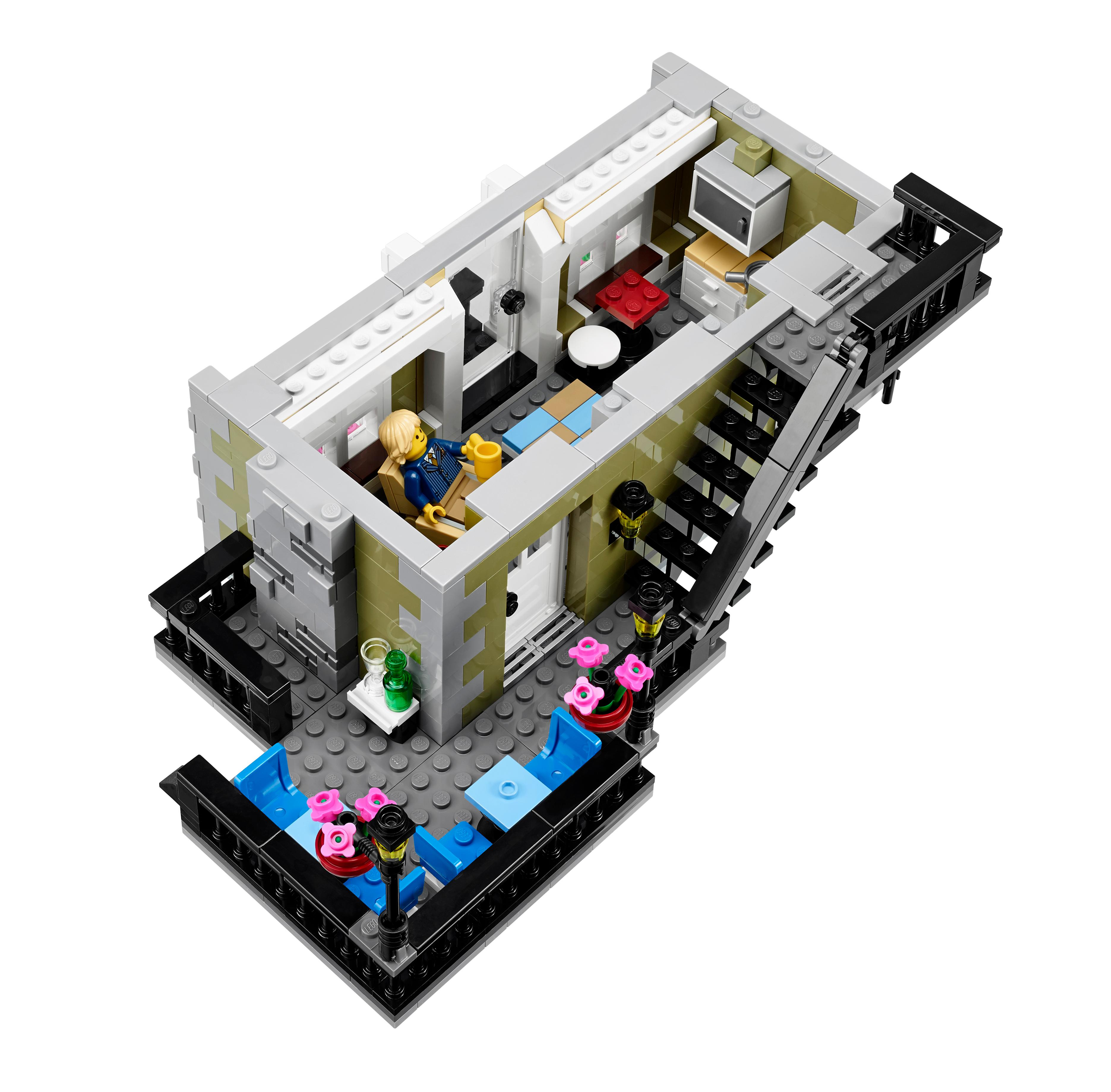 Amazon Com Lego Creator Expert 10243 Parisian Restaurant