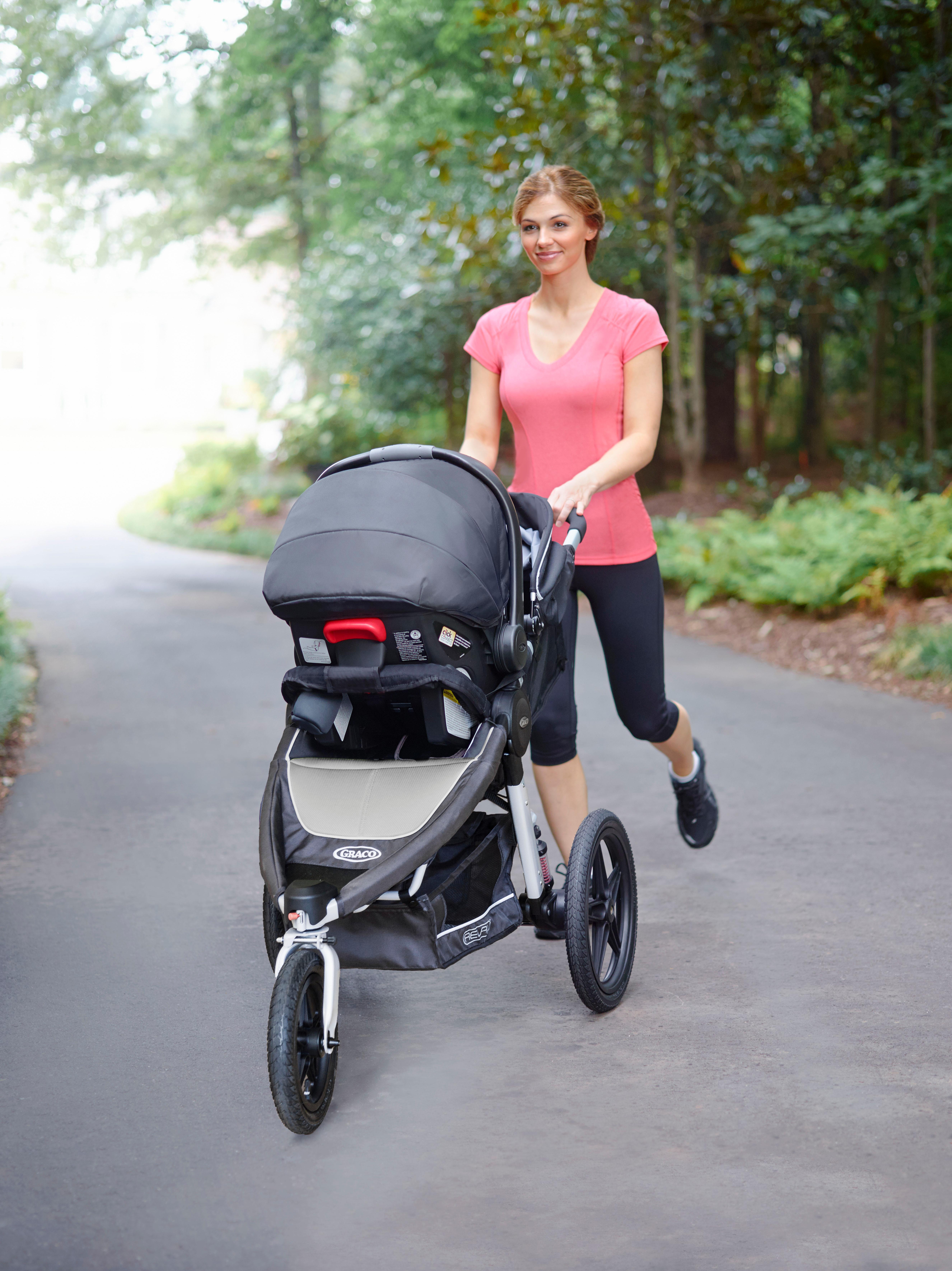 Amazon Com Graco Relay Click Connect Jogging Stroller
