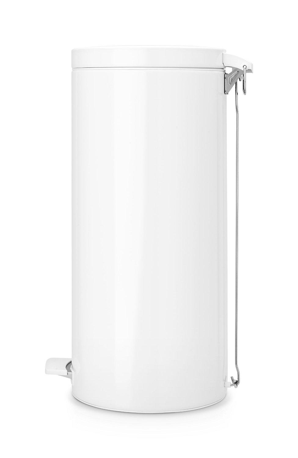brabantia step trash can with plastic inner bucket 7 gal white home kitchen. Black Bedroom Furniture Sets. Home Design Ideas