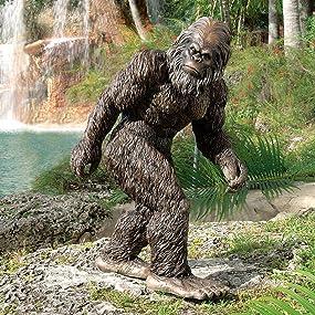 bigfoot statue, yeti statue, garden yeti