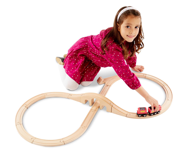 amazon com melissa u0026 doug classic wooden figure eight train set