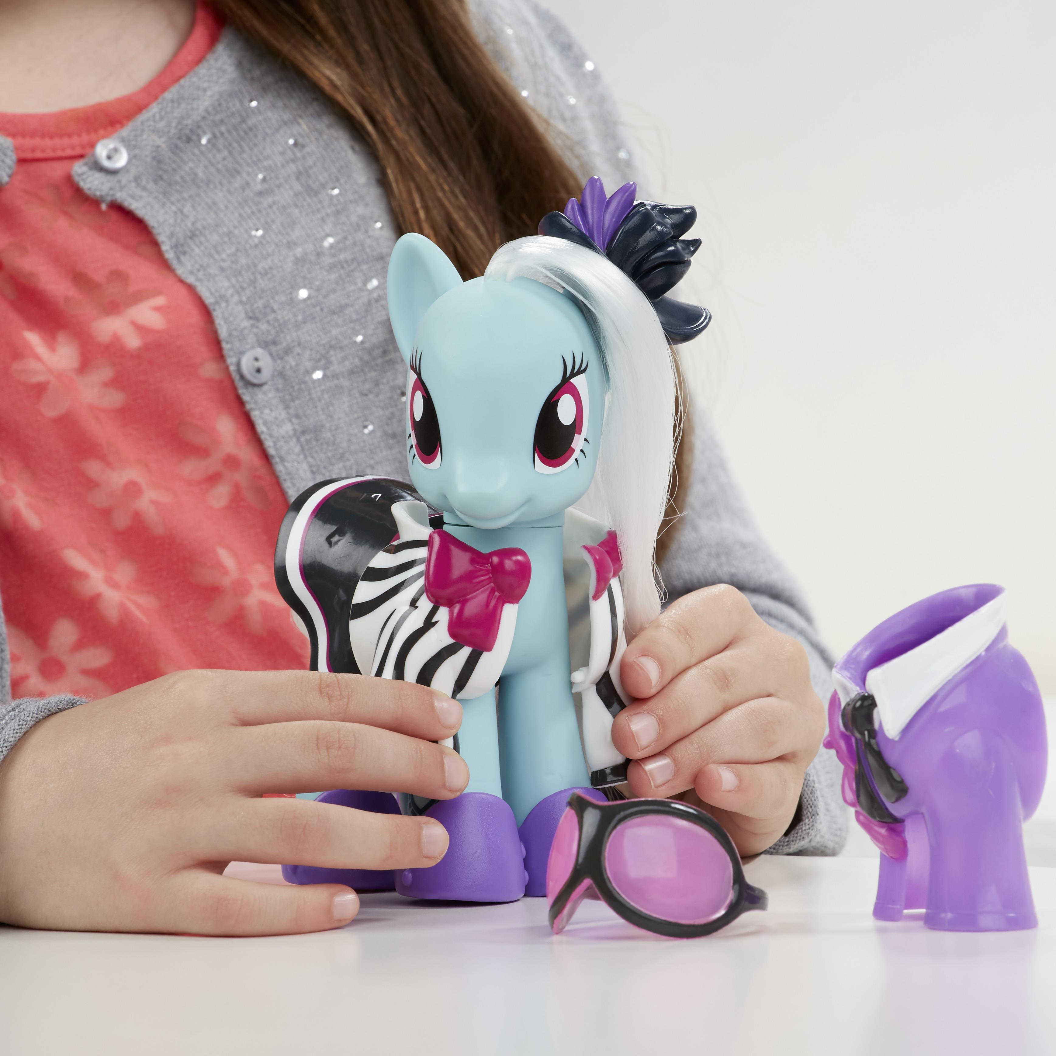 My Little Pony Explore Equestria 6 Inch Fashion Style Set Photo Finish Toys Games