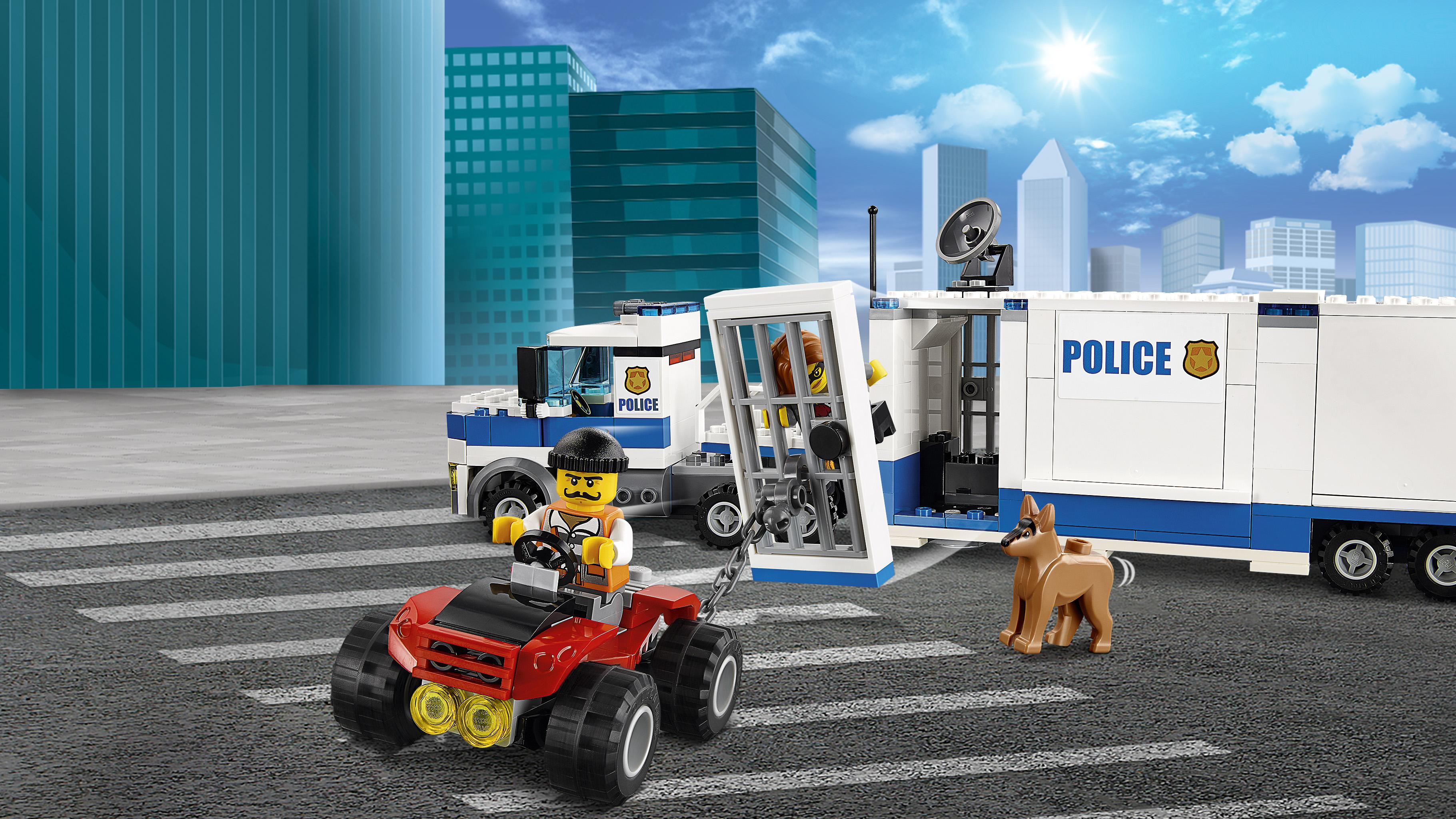 lego city police mobile command center 60139 building toy toys games. Black Bedroom Furniture Sets. Home Design Ideas