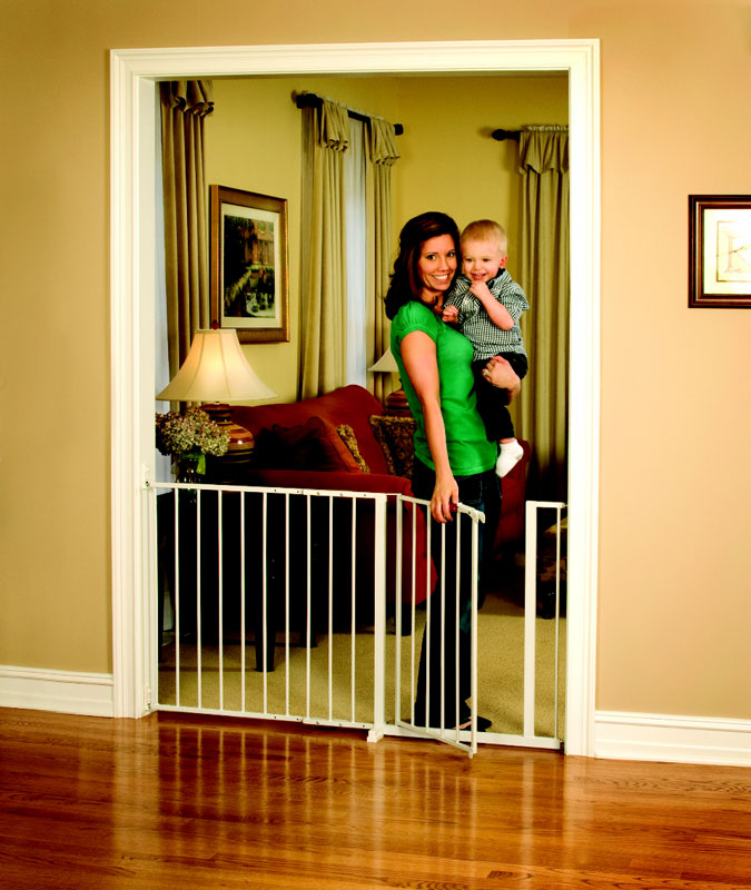 Regalo maxi 59 inch super wide walk thru gate for Indoor gate design