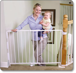 Superieur Regalo Top Of Stairs Gate Product Shot