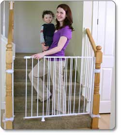 Amazon Com Regalo Extra Tall Top Of Stairs Gate With Banister And