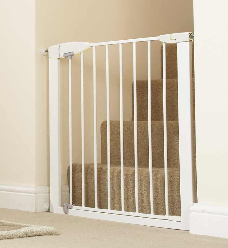 Amazon Com Munchkin Easy Close Metal Safety Gate White