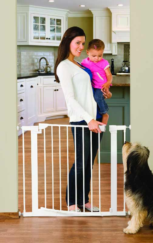 562177704 Amazon.com   Munchkin Auto-Close Metal Gate
