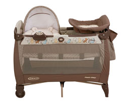 Graco Pack 'n Play napper, Classic Pooh Product Shot