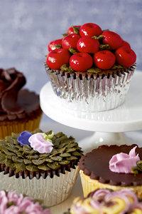 Cupcake with Marzipan Fruit