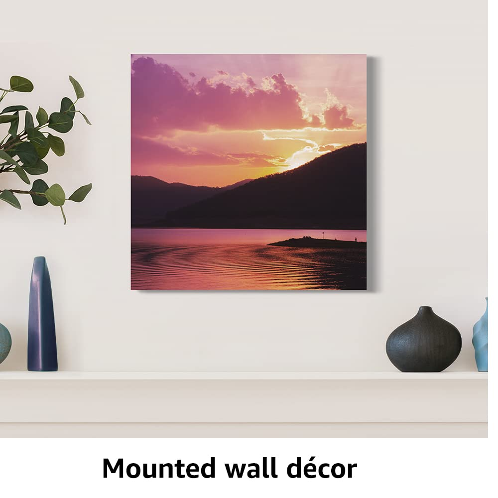 Mounted wall decor