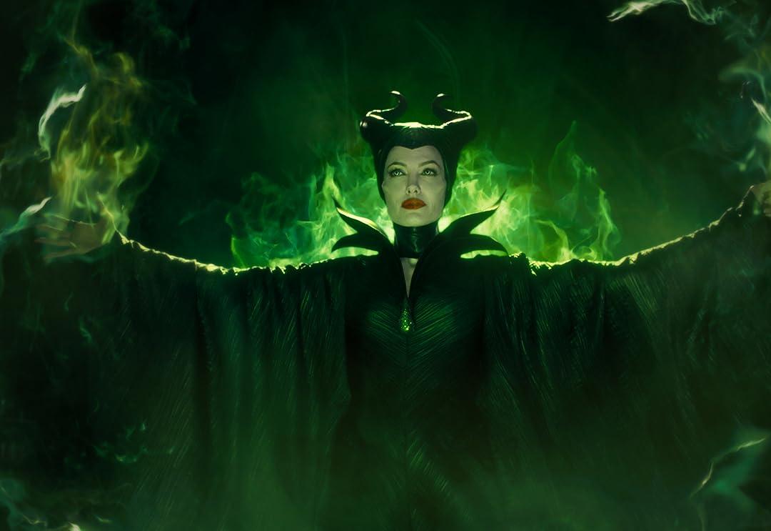 Amazon Com Maleficent Plus Bonus Features Angelina Jolie
