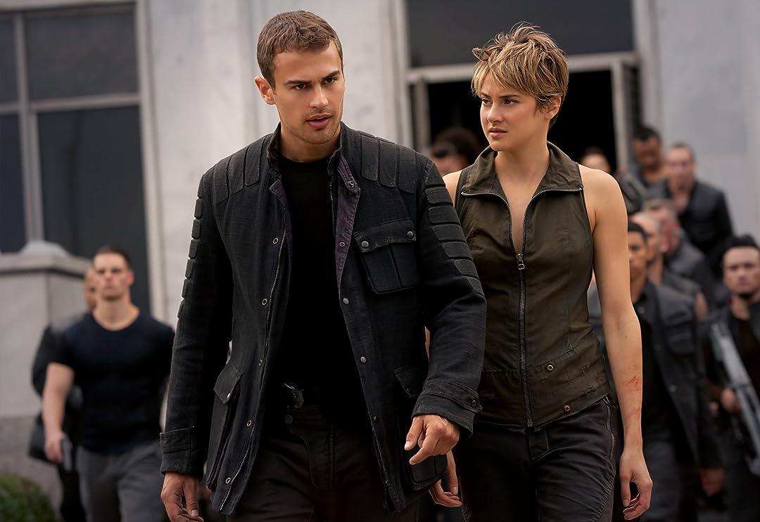 Amazon.com: The Divergent Series: Insurgent (Plus Bonus ...