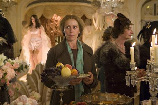 Amazon.com: Miss Pettigrew Lives for a Day (Widescreen