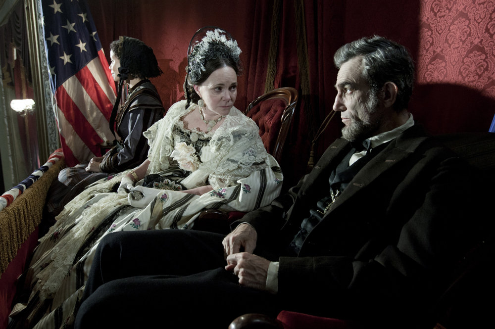 Amazon.com: Lincoln: Daniel Day-Lewis, Sally Field, David Strathairn