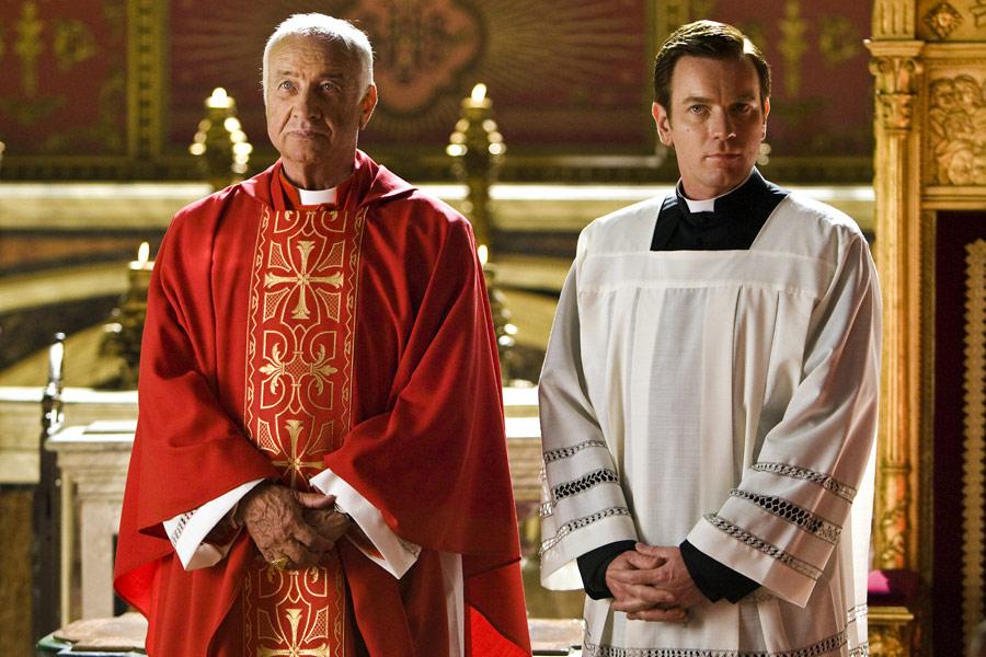 Amazon.com: Angels & Demons [Blu-ray]: Tom Hanks, Ewan McGregor