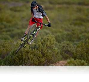 Nikon photo of a mountain biker shot with the AF-S NIKKOR 500mm f/4E FL ED VR lens showing AF tracking