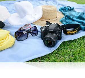 4 Compact. V364677576  - Nikon D3300 DX-format DSLR Kit w/ 18-55mm DX VR II & 55-200mm DX VR II Zoom Lenses and Case (Black)