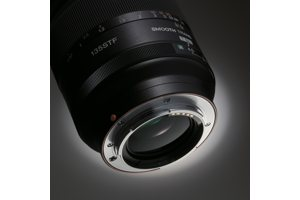 135mm F2.8 (T4.5) STF Telephoto Zoom Lens